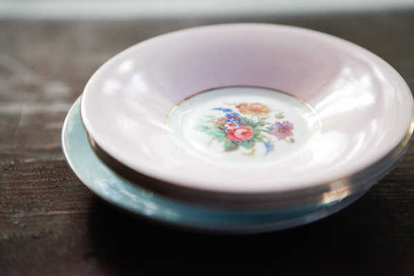 vintagecharlotte plate set giveaway